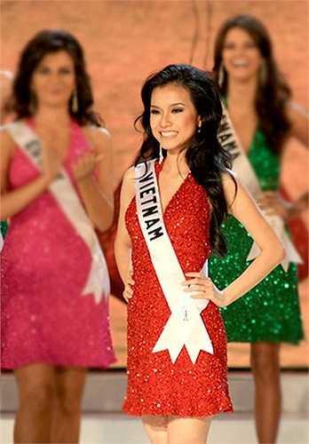 Hoa hậu Hoàn vũ Việt Nam 2008 Thùy Lâm (cao 1m70, nặng 50kg, số đo ba vòng 88-60-90) xuất sắc lọt vào top 15 cuộc thi Hoa hậu Hoàn vũ 2008 tổ chức tại Nha Trang.