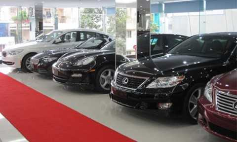 Các dòng xe nhập khẩu nguyên chiếc đã tăng giá bán lẻ 5-10% do tỷ giá.