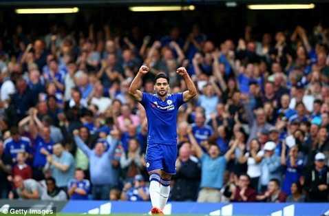 Falcao có bàn đầu tiên cho Chelsea