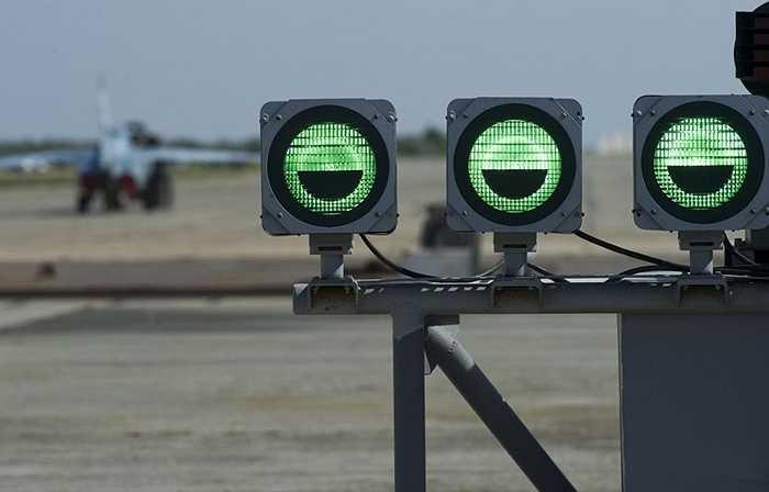 Hệ thống đèn tín hiệu sân bay của căn cứ Novofedorovka