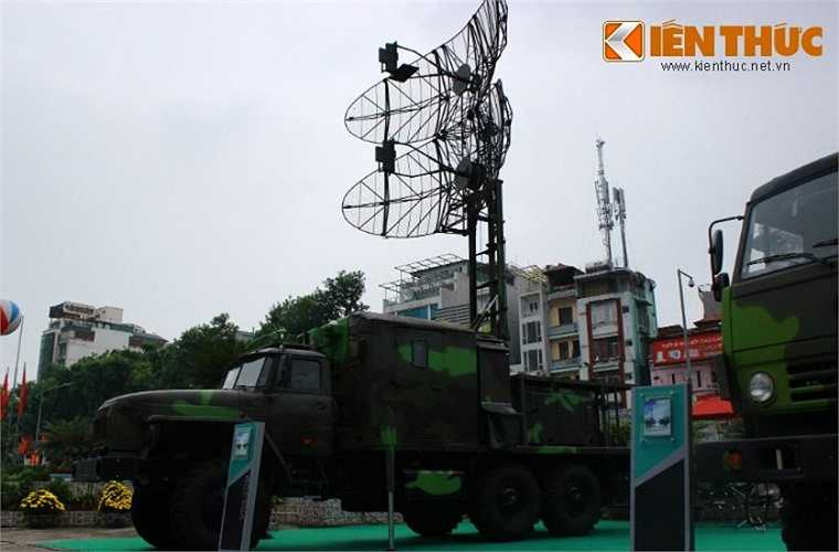 Ngoài VRS-M2D, Viettel còn phát triển đài radar cảnh giới bắt thấp VRS-2DM.