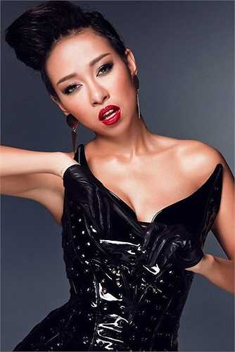 Nhắc đến những người đẹp Vbiz có thân hình chuẩn không cần chỉnh thì không thể bỏ qua cái tên Thảo Trang. Thảo Trang ngày càng quyến rũ, gợi cảm và thu hút sự quan tâm của công chúng.