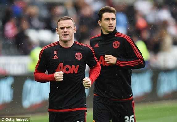 Rooney, Darmian khởi động