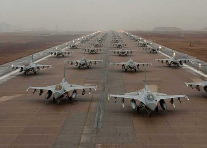 Tình hình càng trở nên căng thẳng khi Hàn Quốc lập tức rút các chiến đấu cơ F-16D đang tập trận tại Alaska về nước nhằm sẵn sàng chiến đấu