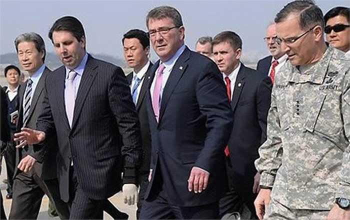 Sự có mặt của Bộ trưởng Quốc Phòng Mỹ còn là sự khích lệ dành cho 28.500 binh sĩ Mỹ đến đồn trú tại Hàn Quốc. Ngoài ra, các cuộc nghị sự sẽ mang tới giải pháp dành cho các vấn đề trên bán đảo Triều Tiên