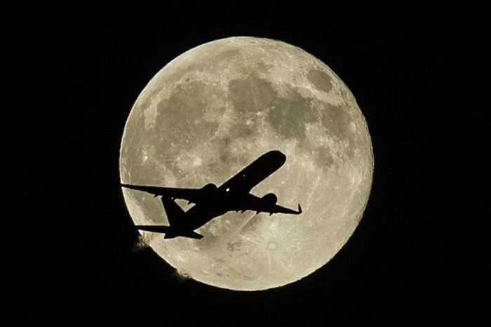 Siêu trăng xuất hiện lúc 22h đêm 30/8 theo giờ Hà Nội.
