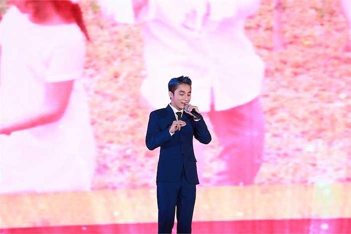 Sơn Tùng M-TP là ca sỹ kết thúc chương trình. Anh đem đến ba ca khúc Ấn nút nhớ, thả giấc mơ, Em của ngày hôm qua và Tiến lên Việt Nam.
