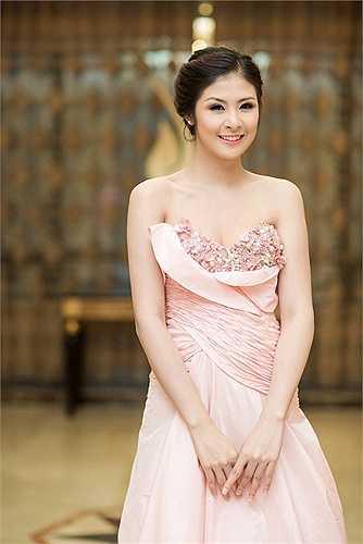 Vẻ đẹp của Hoa hậu Ngọc Hân, rực rỡ và lộng lẫy.