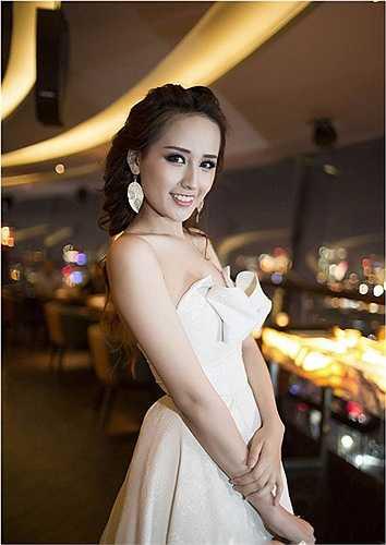 Vẻ đẹp không tì vết, lộng lẫy của Mai Phương Thúy khiến cô luôn lọt vào top mỹ nhân trong showbiz.