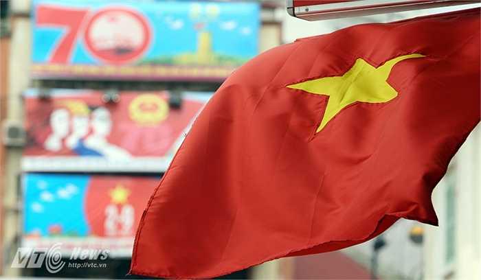 Hình ảnh tại quảng trường Đông Kinh Nghĩa Thục.