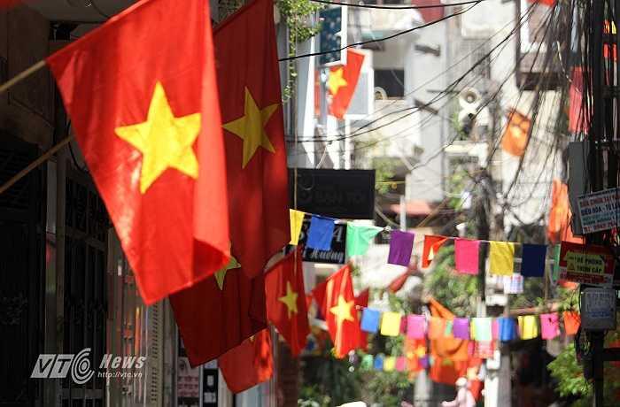 Hình ảnh trang trí trong một khu tập thể ở phường Kim Liên.