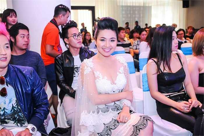 Nữ diễn viên Lê Khánh rục rịch hoạt động trở lại sau khi lấy chồng.
