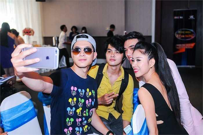Nữ diễn viên Lê Phương cũng có mặt tại buổi họp báo.
