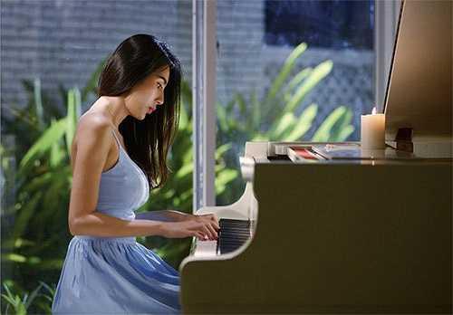Nữ ca sỹ cũng từng khéo léo giới thiệu một số hình ảnh trong căn biệt thự 21 tỷ này thông qua MV Sài Gòn bận lắm vừa ra mắt cách đây không lâu. Nguồn: Dân Việt