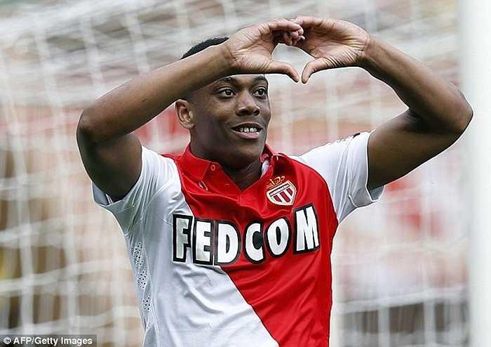 Ở tuổi 19, Martial chưa hề khoác áo ĐT Pháp lần nào. Anh cũng chỉ mới trở thành trụ cột của AS Monaco từ mùa trước