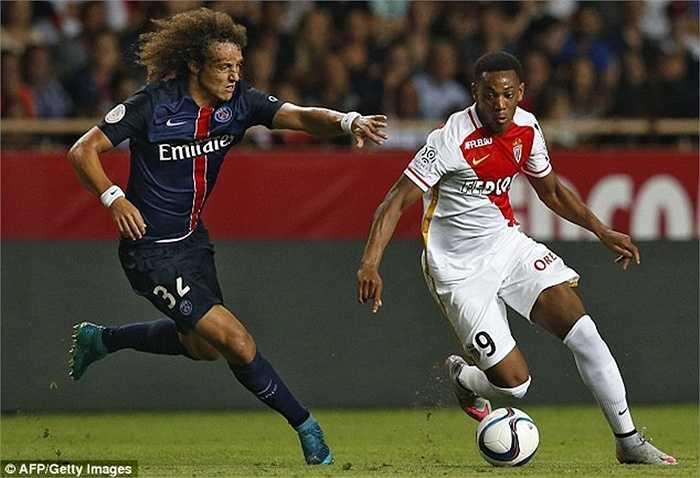 Thi đấu chuyên nghiệp từ năm 17 tuổi trong màu áo Lyon, Martial vừa được triệu tập vào ĐT Pháp cho các trận đấu ở vòng loại World Cup 2018 vào ngày 4 và 7/9 sắp tới