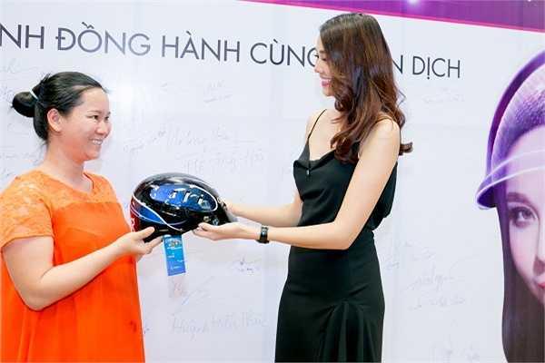 Hiện tại Thanh Hằng chỉ muốn dành thời gian cho VietNam's Next Top Model