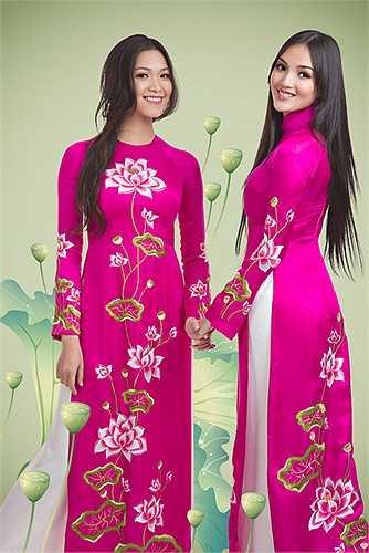 Cách sử dụng màu trên đã đem đến thành công cho bộ sưu tập áo dài lần này của NTK Đức Hùng.