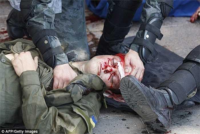 Thương vong tiếp tục tăng lên và tất cả cảnh sát ở thành phố Kiev ngay lập tức được điều động để giải quyết tình hình