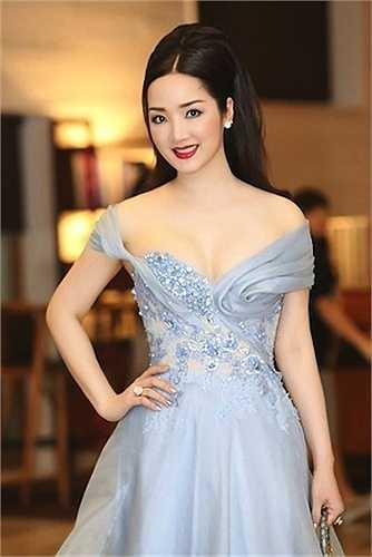 Giáng My cũng là một cái tên không ngừng hot trong showbiz Việt.