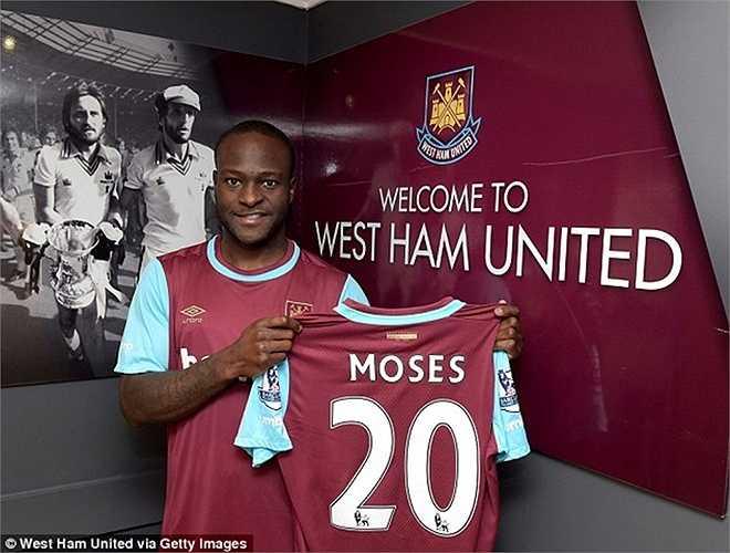 Ngoài Alex Song, West Ham còn được Chelsea nhả Victor Moses. Điểm đáng chú ý, Moses đã ký hợp đồng 4 năm rồi mới chuyển sang West Ham