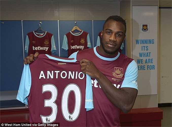 Michail Antonio đến West Ham với giá 7 triệu bảng cũng là 1 hợp đồng đáng chú ý