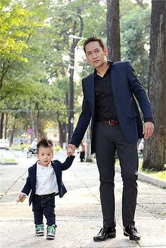 Con trai Duy Mạnh tên là Nguyễn Mạnh Cầm. Tên thân mật của bé ở nhà là Nhóc Ti Òm.
