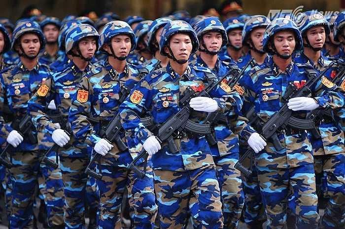 Các chiến sỹ thuộc khối Hải quân (Ảnh: Tùng Đinh)