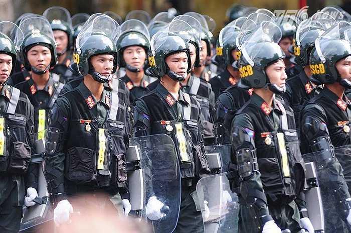 Lực lượng cảnh sát cơ động. (Ảnh: Tùng Đinh)