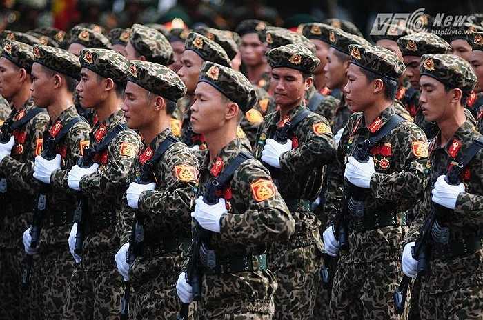 Rất đông các lực lượng tham gia buổi lễ diễu binh, diễu hành (Ảnh: Tùng Đinh)