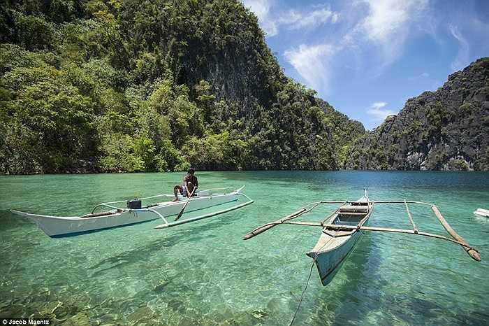 Những chiếc thuyền đơn sơ của người Tagbanua