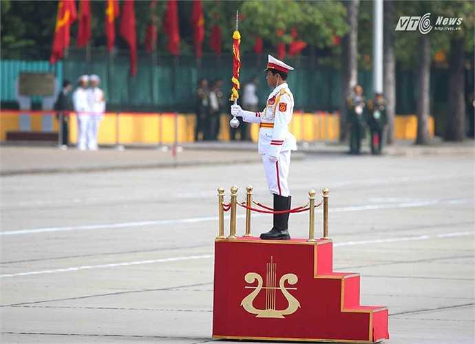 Quốc ca nước Cộng hòa xã hội Chủ nghĩa Việt Nam vang lên giữa quảng trường Ba Đình lịch sử.
