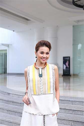 Thanh Hằng: Đang giữ vai trò giám khảo Vietnam's Next Top Model 2015, Thanh Hằng quả thực khiến khán giả trầm trồ khen ngợi.