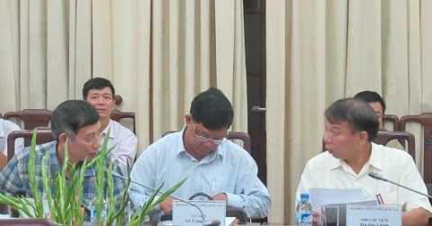 Cán bộ Tổng LĐLĐ Việt Nam - Đại diện cho người lao động - tại phiên họp lần thứ 3 của Hội đồng Tiền lương quốc gia sáng 3/9. (Ảnh:Người lao động)