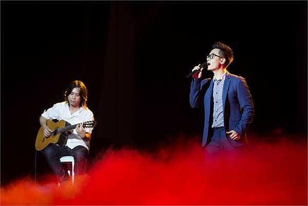 Chương trình 'Tuổi trẻ Việt Nam -Câu chuyện hòa bình' là một thương hiệu nghệ thuật âm nhạc được xây dựng và hình thành dựa trên những mục đích vì cộng đồng nói chung, và đặc biệt là thanh niên sinh viên học sinh nói riêng.