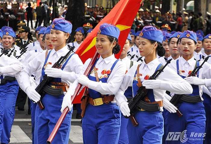 Những cụ cười rạng rỡ luôn nở trên môi những người tham gia diễu binh sáng 2/9. Những hình ảnh vô cùng đẹp đẽ, tự hào của Việt Nam suốt chặng đường 70 năm qua.