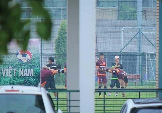 Trước khi sang Đài Loan vào ngày 5/9, toàn đội sẽ có thêm một buổi tập nữa tập sân bóng của Trung tâm đào tạo bóng đá trẻ.