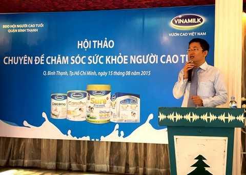 Ông Mai Thanh Việt – Giám đốc Marketing ngành hàng sữa bột, Vinamilk chia sẻ với người tiêu dùng những thông tin về công ty