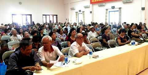 Gần 2000 người tiêu dùng tại Bến Tre, TP.Hồ Chí Minh và Hà Nội đã được Vinamilk hỗ trợ tư vấn về quyền lợi của người tiêu dùng và việc chăm sóc sức khỏe trong tháng 8