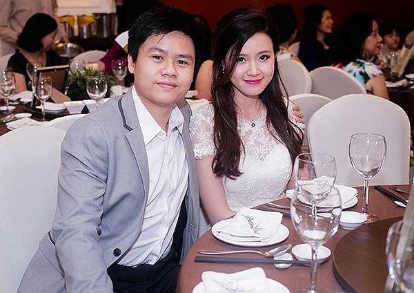 Chồng sắp cưới của hotgirl Midu tên đầy đủ là Phan Quang Thành, con trai của chủ một trung tâm thương mại lớn tại TP. HCM. Trong giới chơi xe Sài thành, hầu như không ai không biết tới danh thiếu gia này.