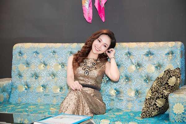 2015 có thể coi là năm thành công với Thuỳ Linh khi cô dẫn nhiều chương trình lớn, như gần đây là Sao Mai, Bài hát yêu thích, Lễ kỷ niệm 20 năm Unilever Việt Nam...