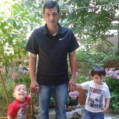 Hình ảnh Aylan (trái) cùng cha và anh trai