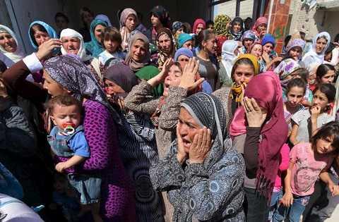 Dân làng xót thương cho số phận của gia đình bất hạnh