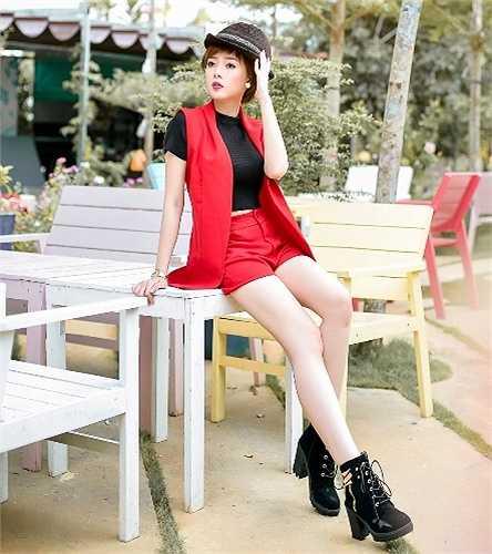Quỳnh Anh còn tham gia đóng nhiều phim và làm người mẫu ảnh, quảng cáo.