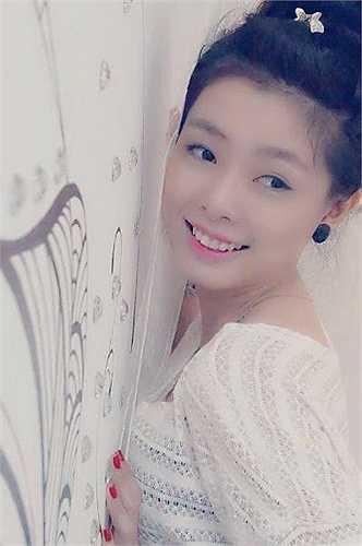 Sở thích của Quỳnh Anh là hát karaoke và du lịch.