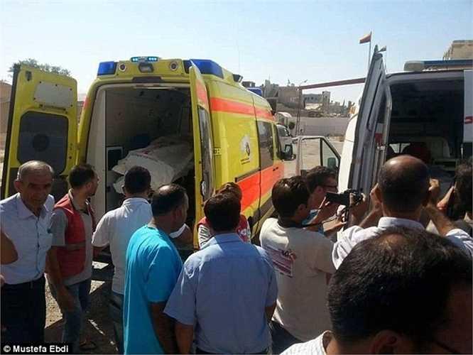 Rất đông người dân ở Syria đã đến để tiễn đưa những nạn nhân xấu số