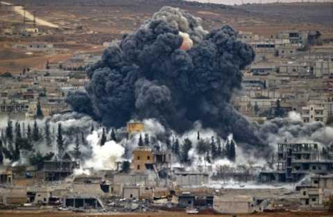 Khói lửa, bom đạn là những điều thường xuyên xảy ra ở những nơi thuộc sự chiếm đóng của IS