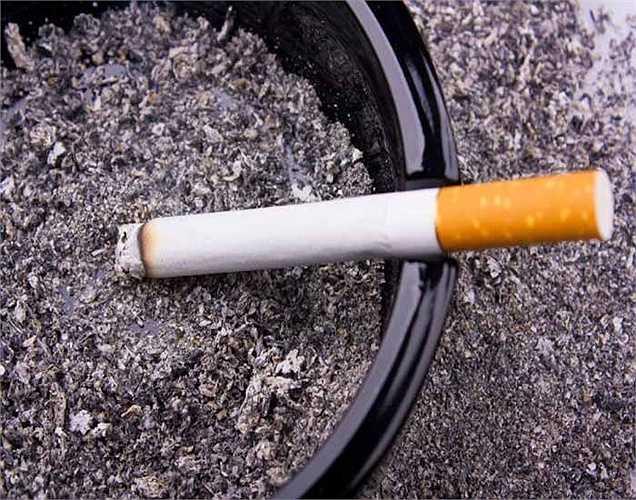 2.  Một nghiên cứu cho rằng thói quen hút thuốc lá cũng có thể gây trở ngại cho các hoạt động của bộ não và có thể dần dần giảm bớt công suất bộ nhớ của bạn.