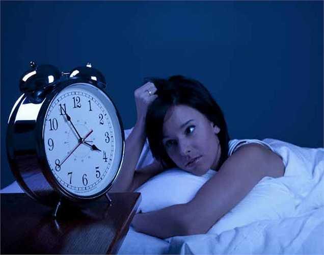 6. Ngủ không đủ có thể trực tiếp làm suy giảm khả năng nhận thức của bạn và sức khỏe tổng thể của bạn rất nhanh. Ngủ ít nhất 7-8 giờ một ngày.