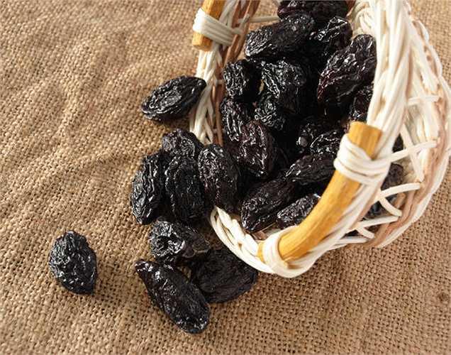 Mận khô: trái cây này tăng cường khả năng chịu đựng, đảm bảo mức đường trong máu ổn định, và tất nhiên, nó cũng cung cấp chất xơ nữa.